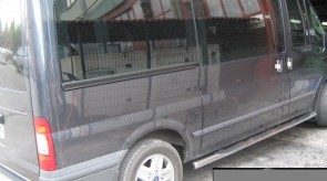 ford_transit_2006_side_step_trump_2.JPG