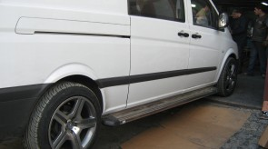 VITO_2003_2008_SIDE_STEP_WITH_CHROME_PLATE.JPG