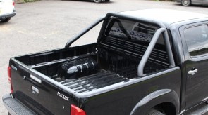 Toyota_Hilux_STX_BLACK_Roll_Bar_1_.JPG